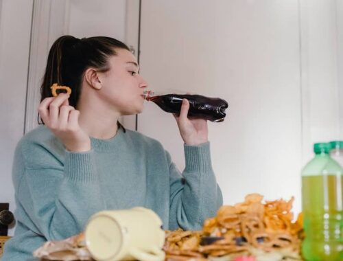 how to stop period cravings